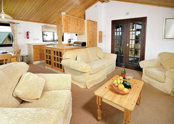 Crowhurst-Park-Lodges