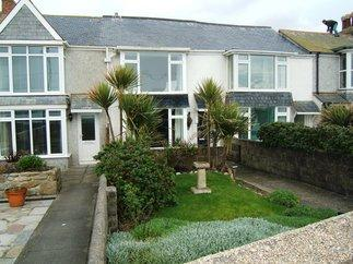 Seaspray a british holiday cottage for 4 in ,