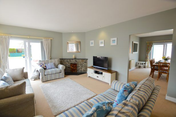 Seven Bays House a british holiday cottage for 8 in ,