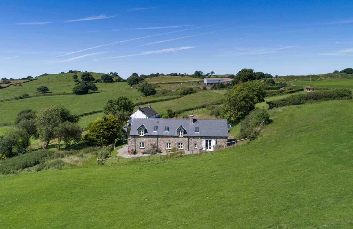 Ty Cerrig a british holiday cottage for 7 in ,