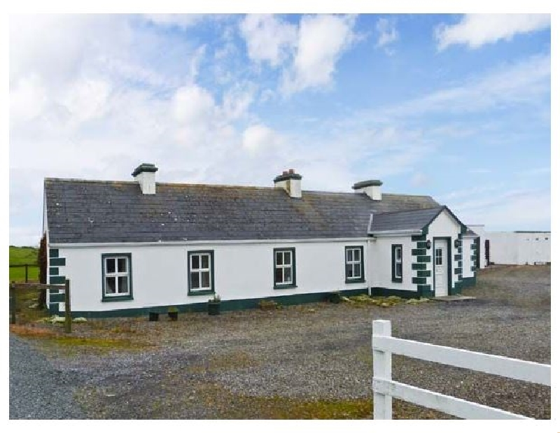 Green Fort Cottage a british holiday cottage for 8 in ,