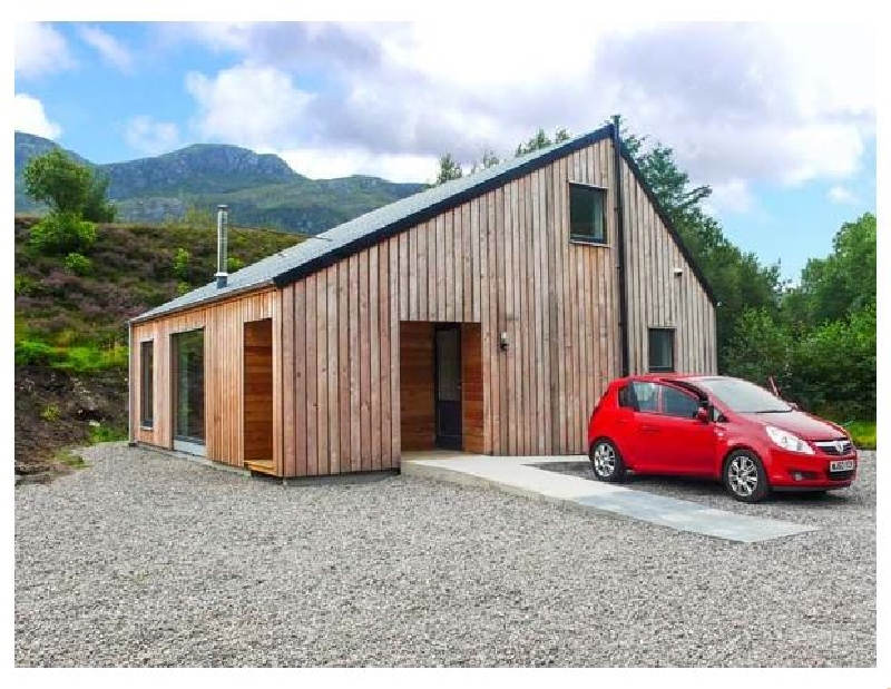 Highland Shores a british holiday cottage for 8 in ,