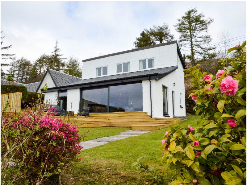 Grannda Mhor a british holiday cottage for 8 in ,