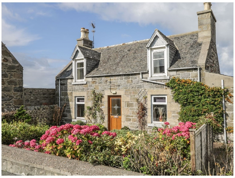 19 Reidhaven Street a british holiday cottage for 4 in ,