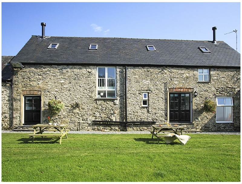 Hilltop 2 a british holiday cottage for 4 in ,
