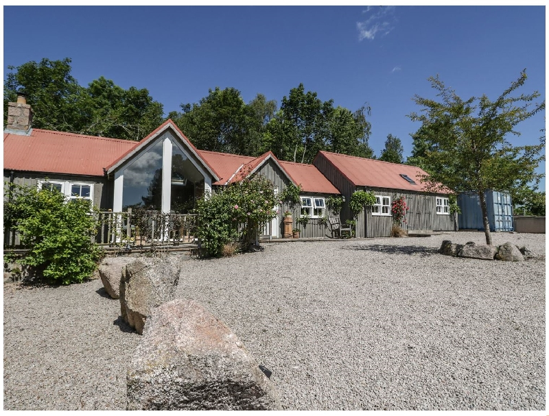 Drumhead Bothy a british holiday cottage for 4 in ,