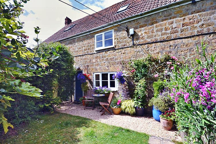 Perhay Cottage a british holiday cottage for 5 in ,
