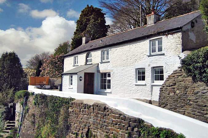 Sunrise Cottage a british holiday cottage for 6 in ,